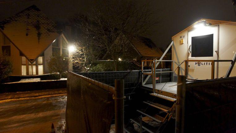 Bewaking voor het huis van de Helmondse burgemeester Fons Jacobs, die in 2010 ernstig werd bedreigd. Beeld ANP