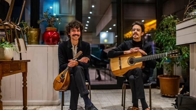 """Concerten voor één toeschouwer, Trastiempo toert rond in lege cafés: """"Veredelde vorm van bezigheidstherapie"""""""
