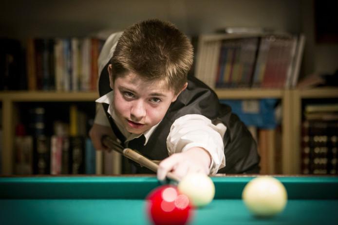 Marius Kroonen is 13 jaar en speelt al vanaf zijn 6e jaar biljart. Op 17 februari doet hij mee aan het NK biljarten.