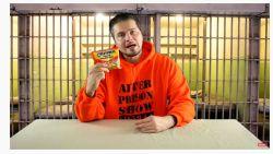 Ex-gevangenen verdienen miljoenen dollars als vlogger