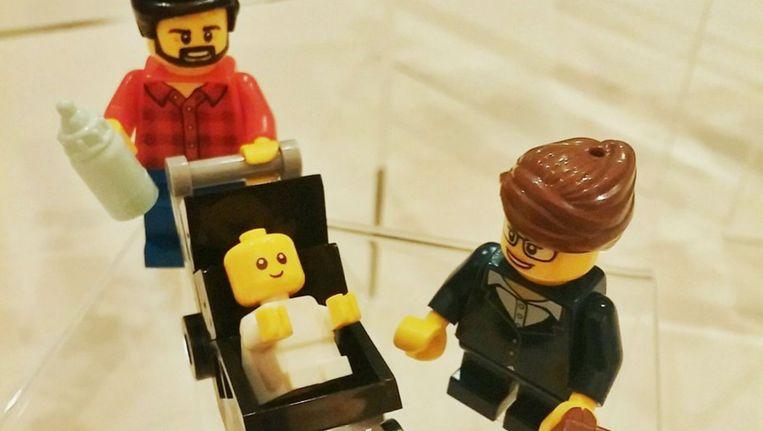De hipsterpapa en werkende moeder van de nieuwe Lego-lijn. Beeld LEGO