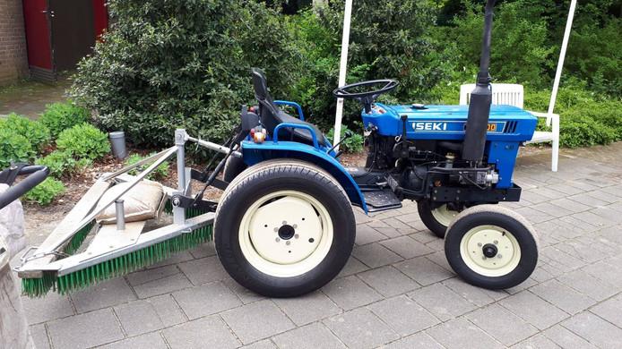 Een van de gestolen tractoren van tennisvereniging Loon op Zand.