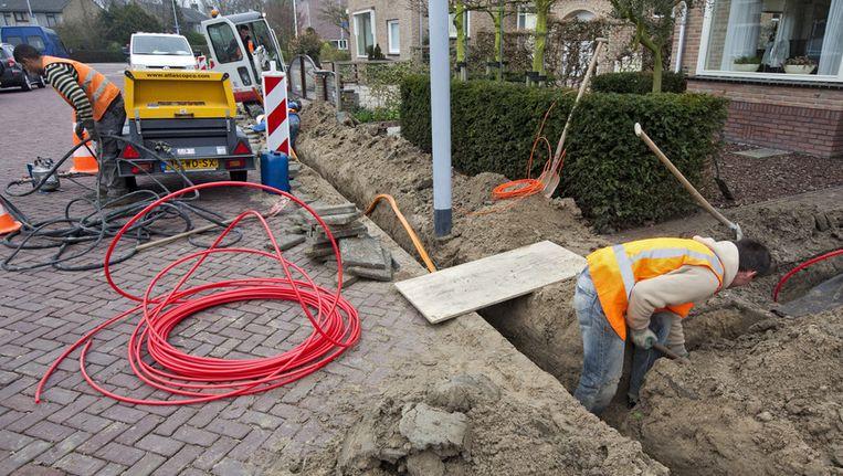 Het aanleggen van glasvezel kabelnet in Hoofddorp. Beeld null