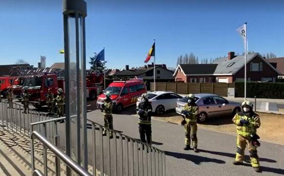 Het applaus dat de brandweer in Oostrozebeke gaf.