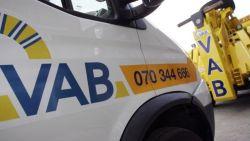 """VAB: """"Slechts 1 op de 10 nieuwe wagens heeft oplossing bij bandenpech"""""""