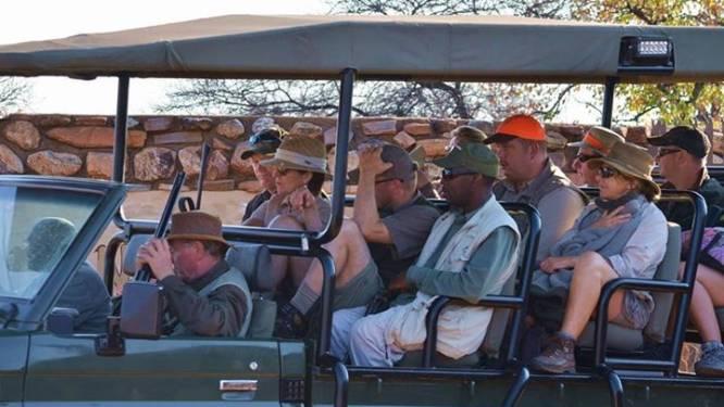 Nieuwe jachtrel in Zuid-Afrika: Belgen schieten week lang honderden dieren dood