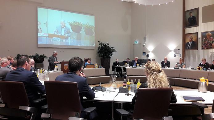 De gemeenteraad van Loon op Zand in vergadering bijeen.