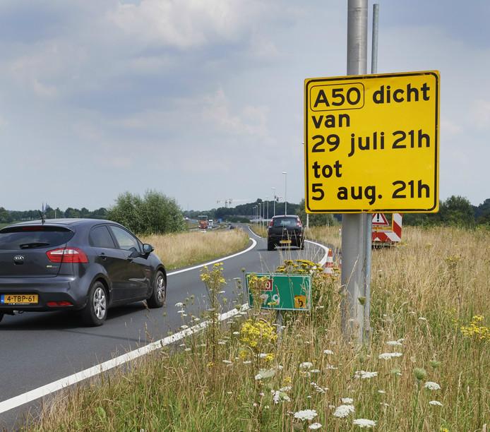 Van 29 juli tot 5 augustus is de A50 tussen afrit Veghel en afrit Nistelrode afgesloten. Aansluitend wordt de weg vanaf knooppunt Paalgraven gesloten, dat gebeurt van 5 augustus tot 15 augustus.