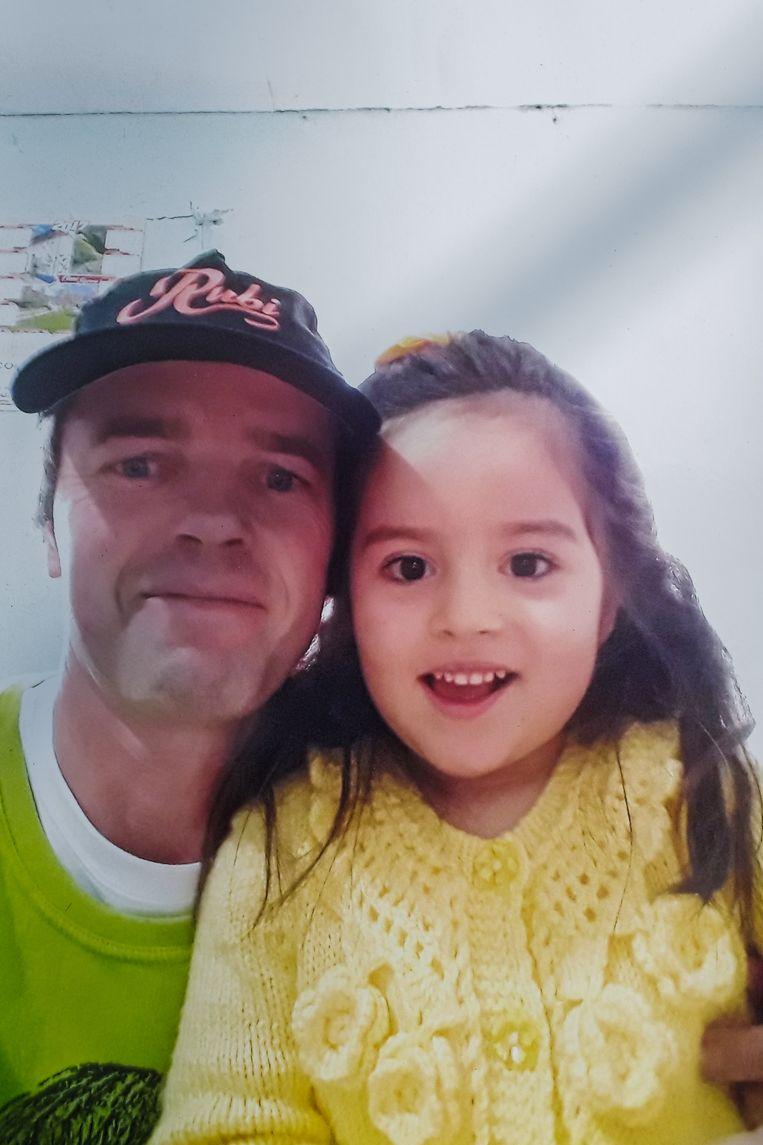 Gert Broeckx met z'n dochtertje Rubi, die door haar mama naar Peru werd ontvoerd.