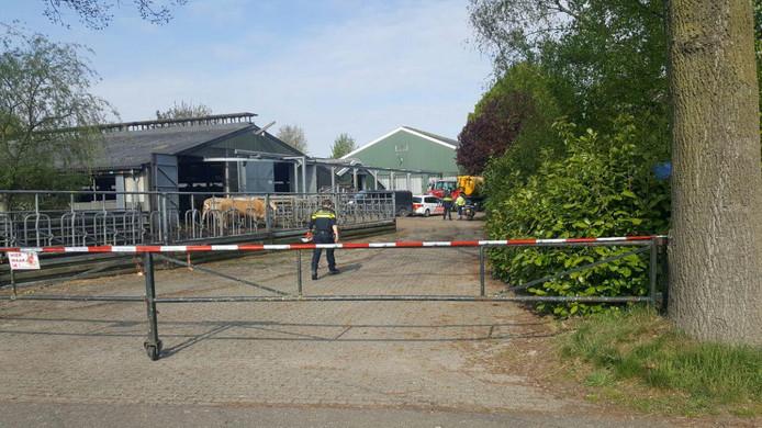 Bij een bedrijfsongeval in Toldijk is een dode gevallen