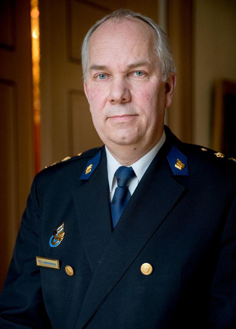 Pieter-Jaap Aalbersberg, Amsterdamse hoofdcommissaris werd na de aanslag met een mes op het CS, vrijwel direct op de hoogte gesteld. Beeld Jerry Lampen
