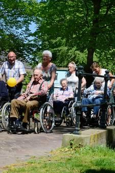 Wandeling met rolstoelers Tubbergen al 25 jaar