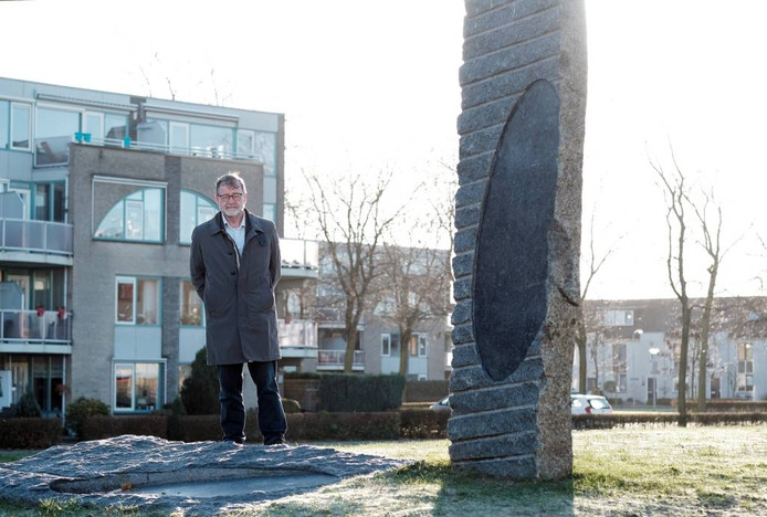 Karel Schols op het Eilandplein in Duiven.