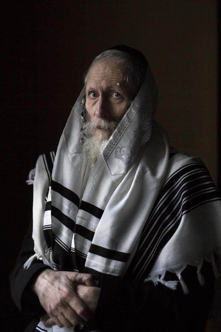 Eliezer Berland is de spiritueel leider van de omstreden ultra-orthodoxe Shuvu Banim-beweging in Israël. 'Ik ben nooit alleen.' Beeld Mike Roelofs