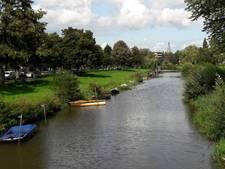 Breda zit eigenaren half gezonken of boten zonder vergunning achter de broek