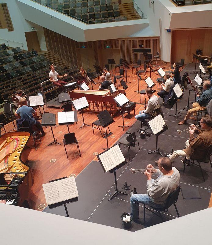 Ducan Ward aan het werk met Philharmonie Zuidnederland in Eindhoven