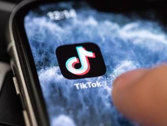 """""""Help, mijn kind heeft een gruwelijke video op TikTok gezien"""", hoe pak je dat als ouder aan? Kinderpsychologe geeft concrete tips"""