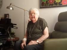 Lucia (82) ziet verzorgingshuis Emmeloord dichtblijven tot eind mei: 'Moet er niet aan denken dat die deur zomaar opengaat'