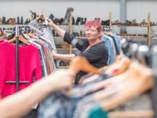 Kledingbank opent tijdelijke winkel aan de Marconistraat in Goes