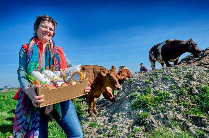 Esther Quartel verzorgt, samen met twee andere boerinnen, boerderijboxen met verse producten.