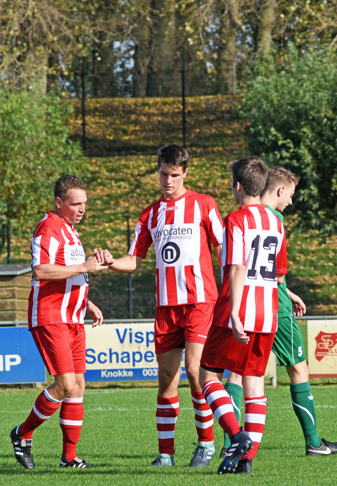 Koploper Sluis bleef dit weekeinde steken op een gelijkspel tegen Lepelstraatse Boys.
