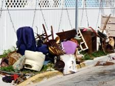 Bewoonster die buren gek maakt met haar gesleep met spullen moet huis uit
