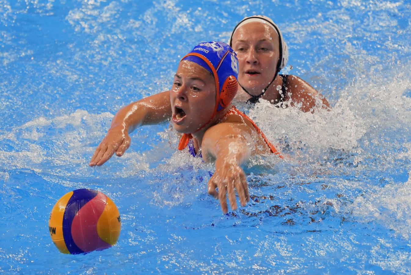De Nederlandse waterpolosters nemen het in de kwartfinale van het WK op tegen Spanje.