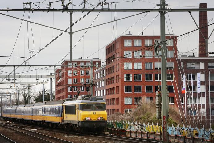 Nieuwbouw langs het spoor in Breda.