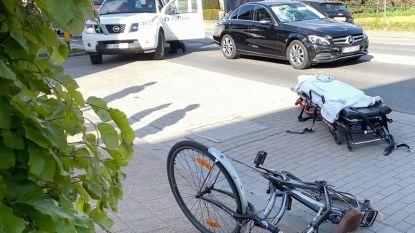 Fietser (69) weggebracht met MUG-heli na aanrijding door wagen: man verkeerde even in levensgevaar