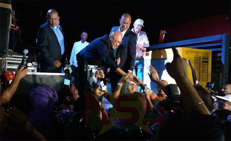 Bouterse krijgt veel steun na zijn terugkeer in eigen land.