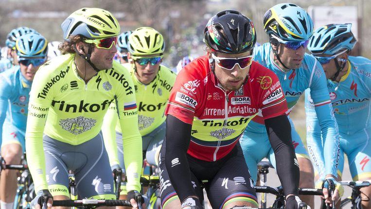 Peter Sagan in de rode leiderstrui tijdens Tirreno - Adriatico. Beeld ap