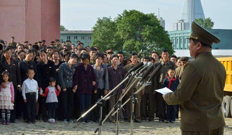 Een Noord-Koreaanse hooggeplaatste militair brengt excuses over.