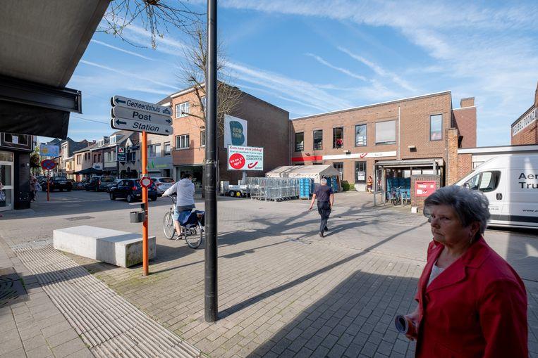 BORNEM - Boomstraat thv De Post: het plan voor de creatie van een nieuw plein werd weggestemd, het bestuur gaat nu op zoek naar nieuwe manieren om de leegstand weg te werken.