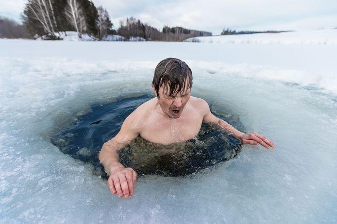 Foto ter illustratie. Een bad in ijskoud water moet deelnemers van het IGNITION-evenement morgen in Amsterdam een oppepper geven
