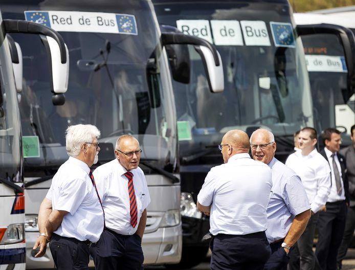 Demonstratie van buschauffeurs van touringcarbedrijven tegen het coronabeleid van de regering op het Malieveld in Den Haag.