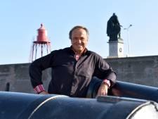 Martin Mans met projectkoor in Dolfinarium