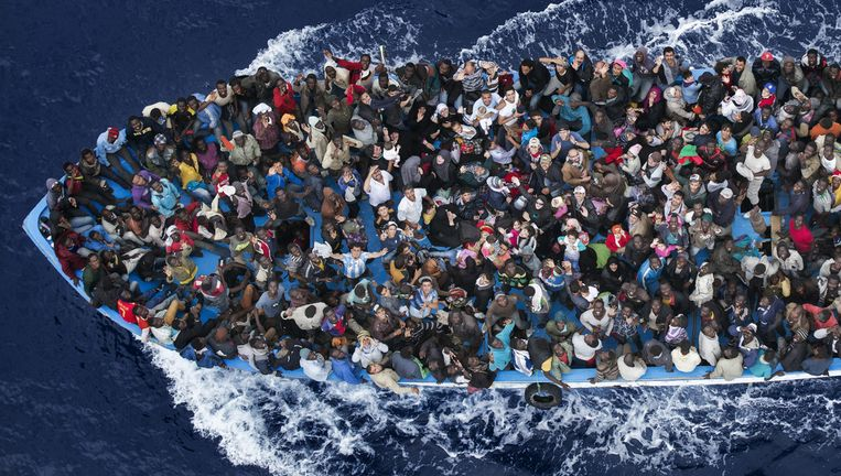 Boot met vluchtelingen.