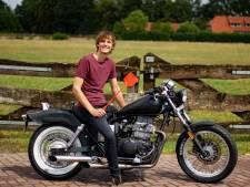Van ruilen komt huilen?: Tom (21) uit Eibergen ruilt vliegenmepper voor motor