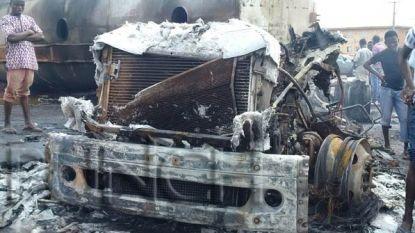 Tankwagen ontploft na botsing met vrachtwagen: minstens zestig doden in Congo