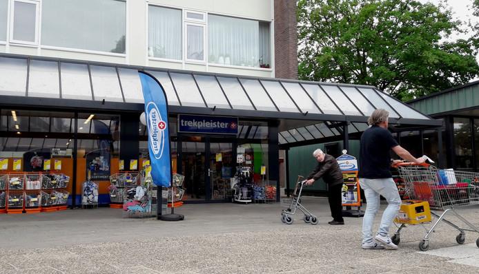 Het leven ging vrijdagmiddag al snel weer door op het winkelcentrum in de wijk Kerschoten.
