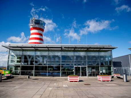 Veluwse gemeenten, Zwolle en Kampen vrezen extra lawaai stijgende vliegtuigen