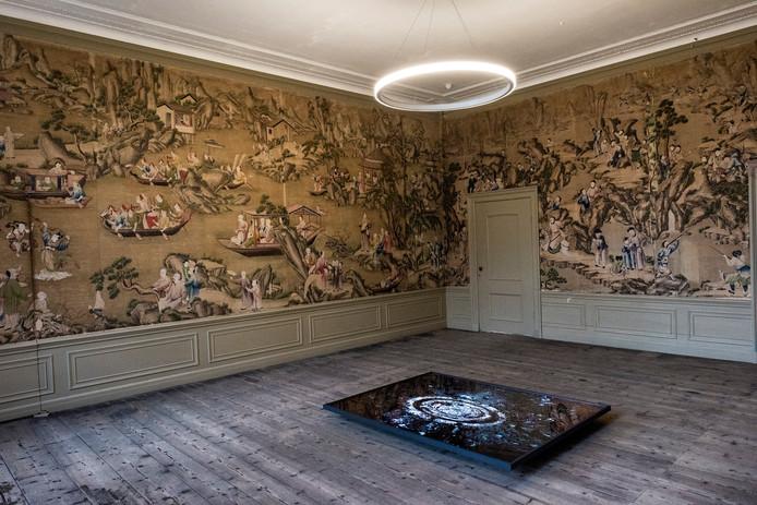 De gemeente Utrecht wil het bijzondere Chinese behang uit landhuis Oud Amelisweerd elders bewaren.