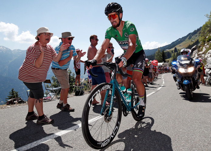 Peter Sagan scoort zelfs in bergritten punten in de Tour de France. Na zijn vroege diskwalificatie van vorig jaar is hij nu weer een gouden greep in de Lezerstour.