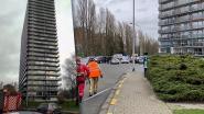 Snelheidsbeperking op Antwerpse snelwegen door hevige regenval - Glazen balustrades van Gentse woontoren vormen geen probleem meer
