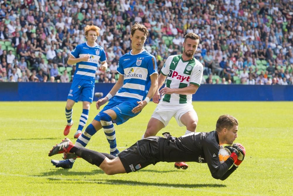 """Mickey van der Hart vertolkte een hoofdrol tijdens de eerste overwinning van PEC Zwolle, in Groningen: ,,Ik heb veel in mezelf geïnvesteerd en wist dat mijn kans een keer zou komen."""""""
