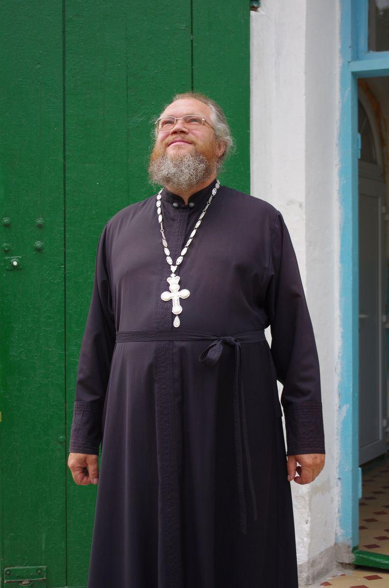 Vader Sergej Barachtenko, dorpspriester van Grabovo Beeld Gert Jan Rohmensen