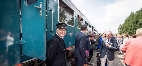 Naar Almelo in De Blauwe Engel: 'Deze trein is een fenomeen'