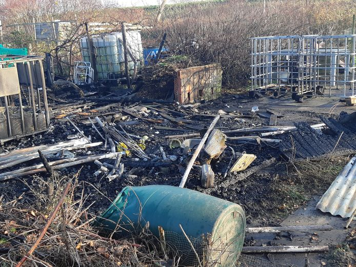 De schade op het complex van volkstuinvereniging Kaaskenshof.
