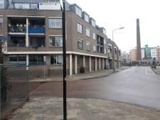 Dieneke (65) uit Almelo leest in de krant dat haar appartement mogelijk wordt gesloopt
