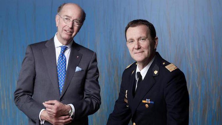 Commandant Leen Schaap en Bas Eenhoorn, burgemeester van Amstelveen en voorzitter van de veiligheidsregio Beeld Mark van der Zouw